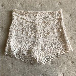 Urban Outfitters cream lace shorts - size 0